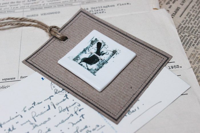 Black bird stamp button