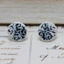 Black inlay button stud earrings