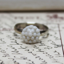 Bobble button ring