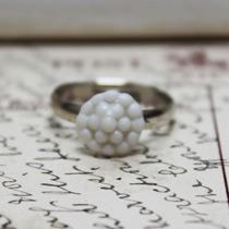 Bobble button ring