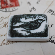 Small bird stamp magnet
