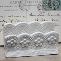 Double lace letter holder