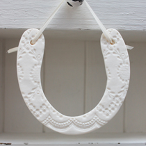 Horse shoe decoration