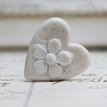 White lace heart ring