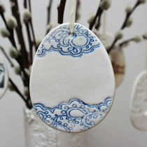 Large blue and white lace egg decoration