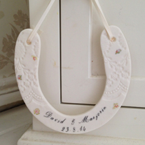 Personalised horse shoe decoration