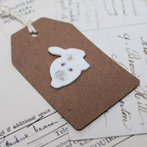 Single floral bunny button