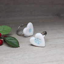 Snowflake heart ring
