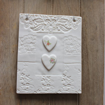 Lace and heart plaque