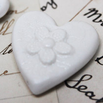 Small lace heart magnet